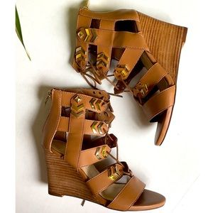 FERGIE LACED UP WEDGES WITH BACK ZIPPERS